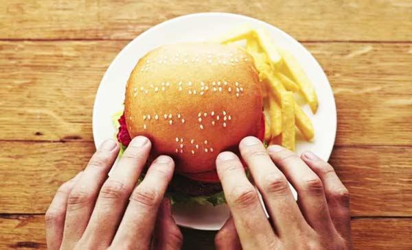 perierga.gr - Braille Burgers: Μπέργκερ για τυφλούς!