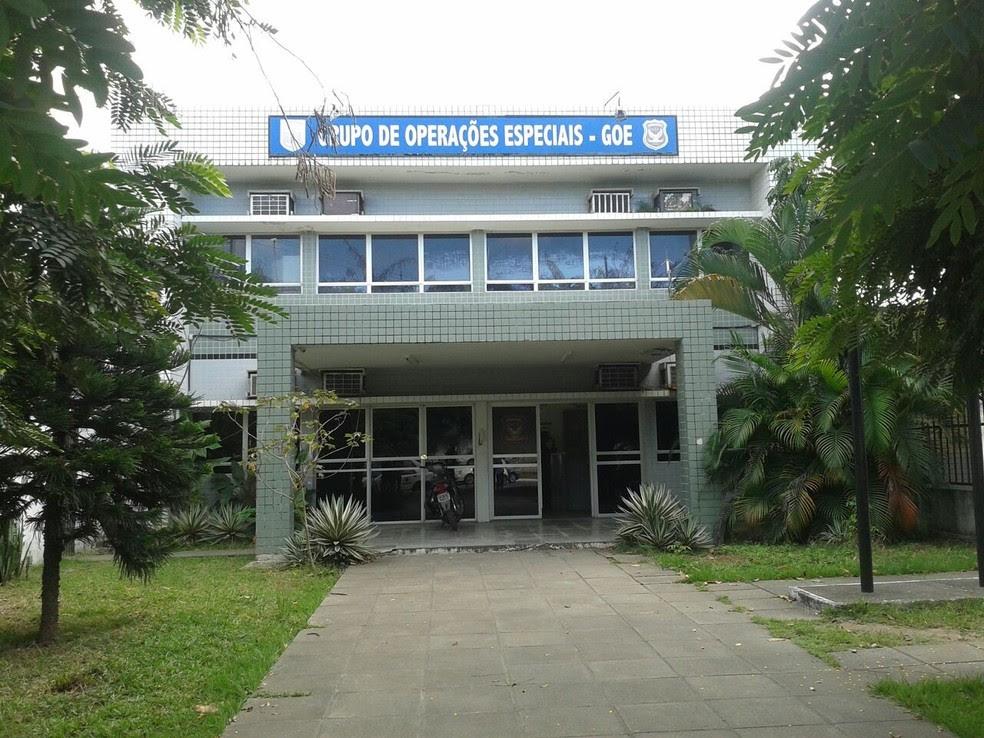 Informações foram divulgadas na sede do Grupo de Operações Especiais (GOE), no Recife  (Foto: Dyanne Melo/TV Globo)