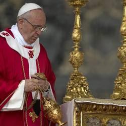 Il Papa durante la Messa di Pentecoste