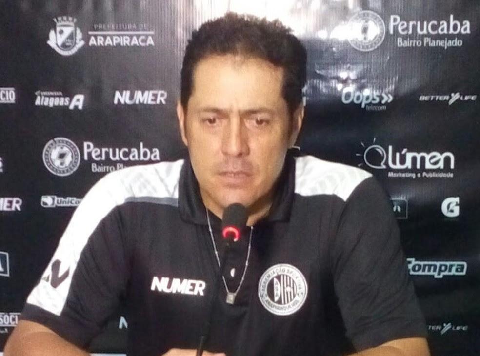 Maurílio Silva não é mais o técnico do ASA (Foto: Carlos Frazão/Arquivo Pessoal)