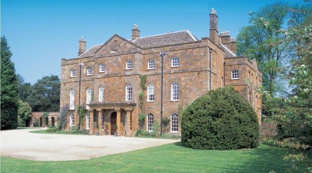 File:Adderbury Manor House - geograph.org.uk - 818088.jpg