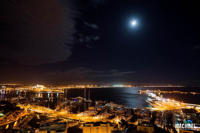 Palma de Mallorca de noche desde la terraza Hotel Amic Horizonte en Palma de Mallorca Islas Baleares España La blogroom del Hotel Amic Horizonte en Palma de Mallorca