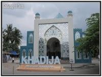 masjid kaca patri kristal