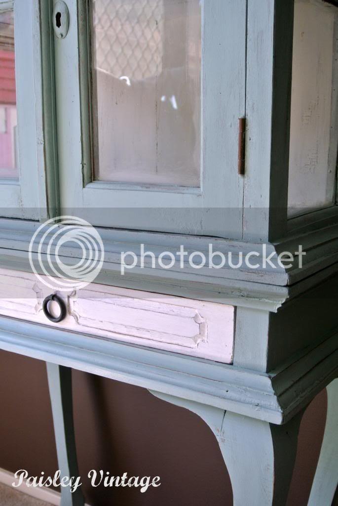 photo cabinet4.jpg