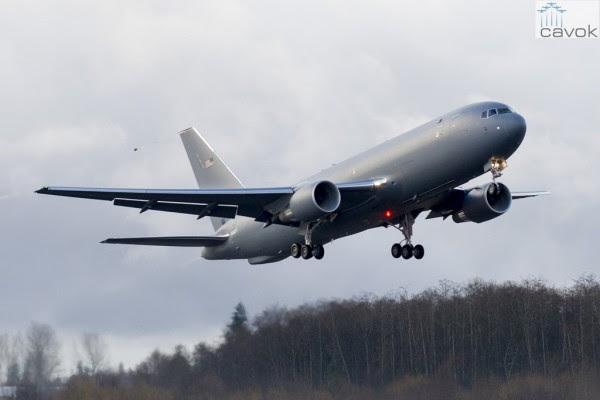 El Boeing 767-2C, parte del programa KC-46, despega desde Paine Field el domingo, 28 de diciembre. (Foto: Boeing)