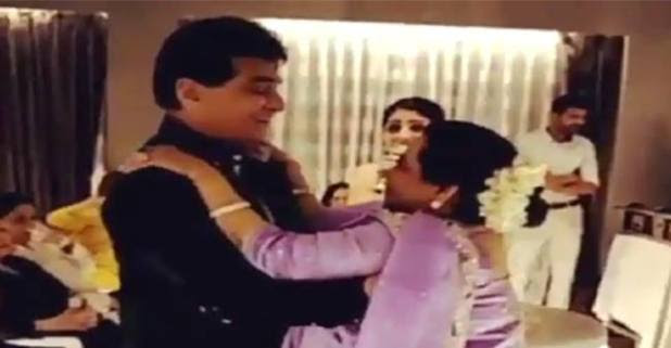 Jeetendra shake legs with his wife to jawani jaaneman song on hi 77th birthday celebration! Video inside