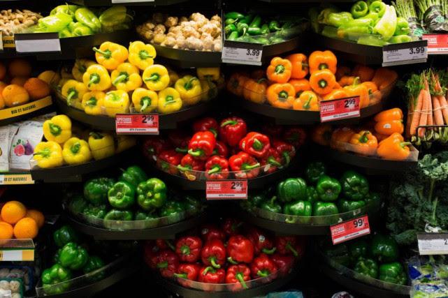 Par rapport à l'hiver dernier, les fruits, les... (Photo Ninon Pednault, Archives La Presse)