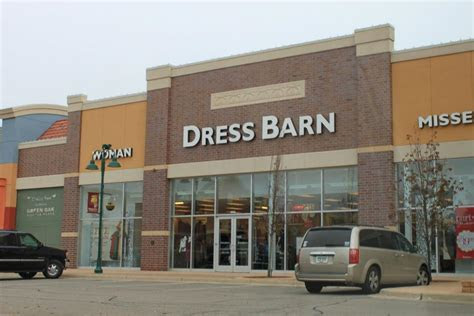 Ascena closing up to 650 stores including Ann Taylor, Lane