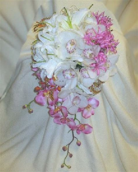 How to Make a Wedding Bouquet   Step by Step Flower Tutorial