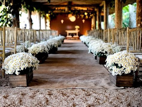 The many uses of Rustic Crates for your wedding decor
