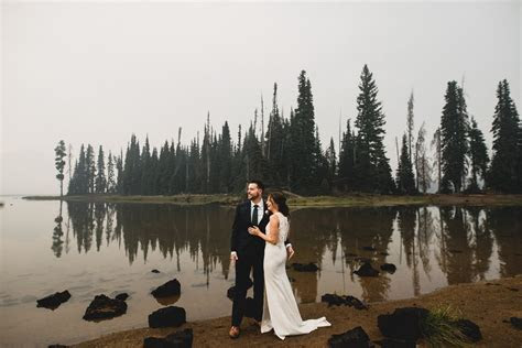 Bend Oregon Elopement Sparks Lake Wedding Ceremony