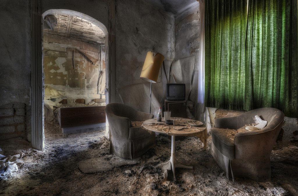 A arte do Urbex - As impressionantes fotografias de Niki Feijen 02