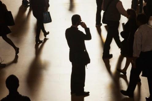 σε-εντοπίζουν-παντού-παρακολούθηση-τηλεφώνων