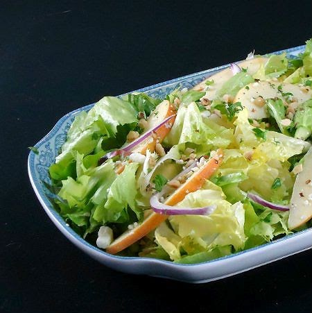 Apple and Escarole Salad with Blue Cheese and Toasted ...