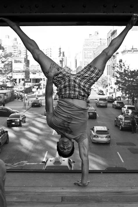 One arm handstand | Rollo