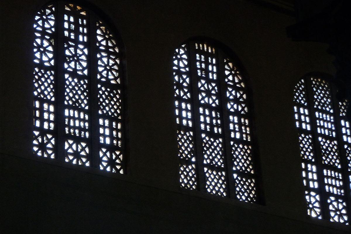 File:Basilica Santa Sabina (Roma) - window.JPG