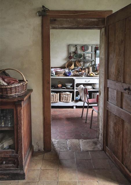 Aline's house