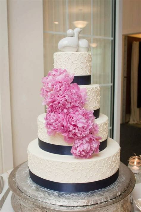 Best 25  Navy wedding flowers ideas on Pinterest   Navy