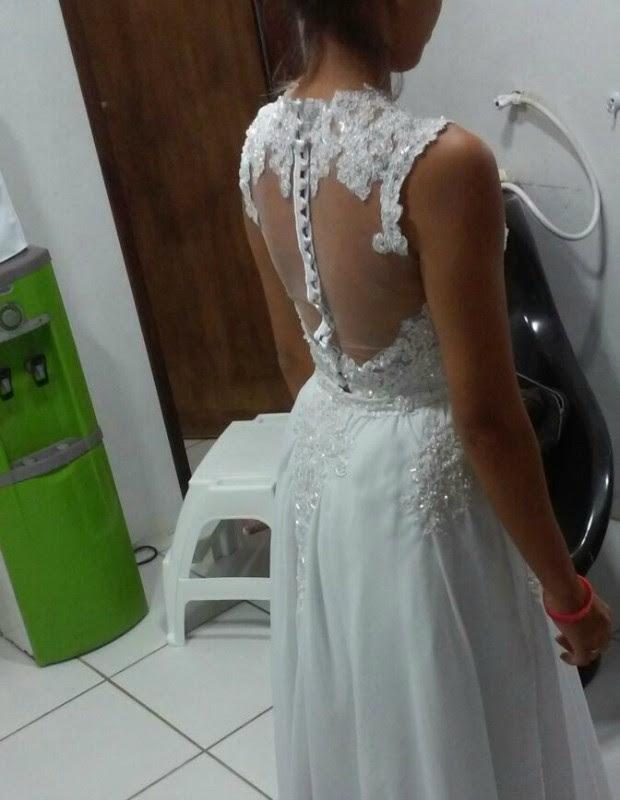 Karolina Késsia teve o vestido de noiva assaltado a um mês do casamento (Foto: Karolina Késsia/Arquivo pessoal)