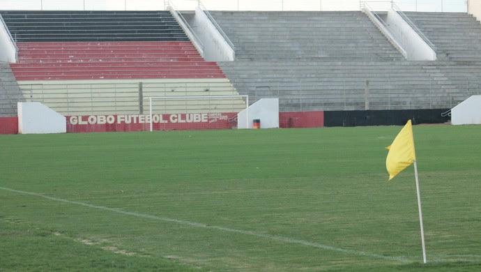 Gramado estádio barretão (Foto: Divulgação / Globo FC)