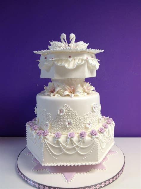 Weddingcake Royal Icing   CakeCentral.com