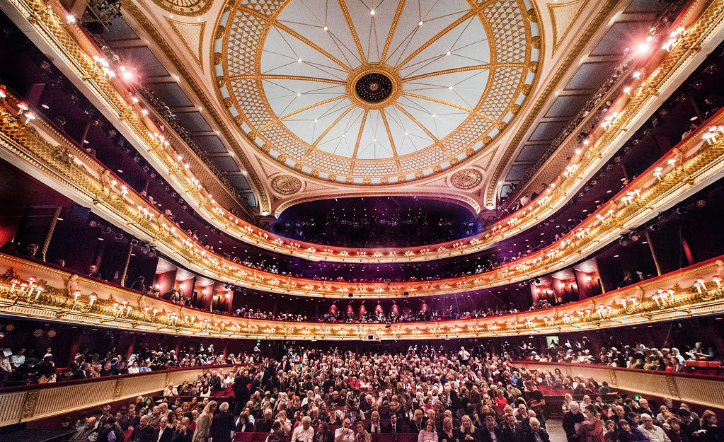 ROH LATE – Join the Royal Opera House for an evening of cocktails, drag performances and dance
