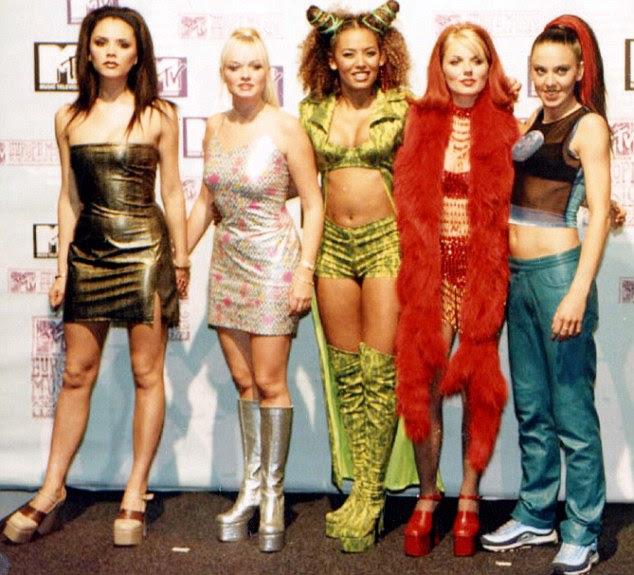 Não mais presunçosos!  Mel esvoaçavam entre os trabalhos de canto e dança de apoio, enquanto As Spice Girls chegou ao topo das paradas com seu primeiro single Wannabe