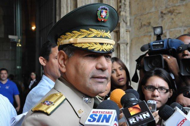 Ministro Defensa dice hay 6 haitianos detenidos por muerte capitán Ejército