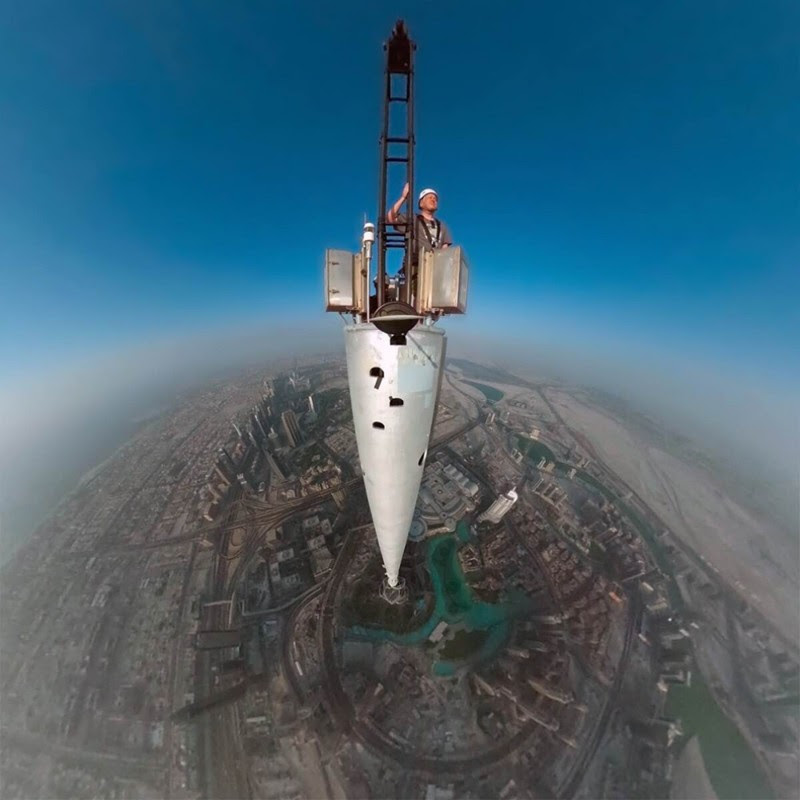18. Photos from the top of the tower Burj Khalifa, Dubai.  unusual, amazing photos,