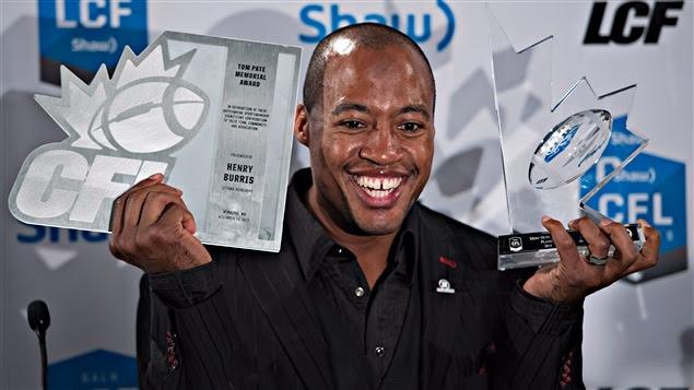 Henry Burris, joueur par excellence et récipiendaire du trophée Tom-Pate