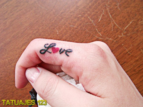 Amor Entre Los Dedos Tatuajes 123