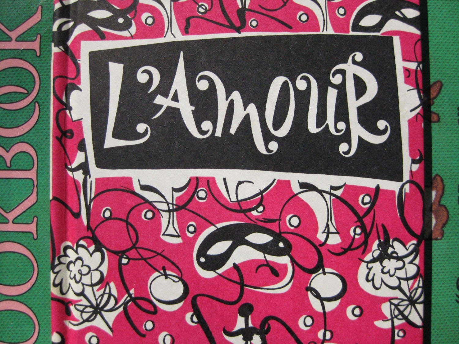 1950's L'AMOUR Illustrated Book of Love Quotations (Peter Pauper Press)