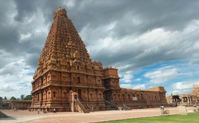 Brihadeshwara-Temple-Thanjavur