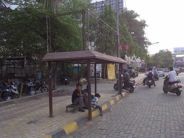 Datta Mandir Bus Stop on Baner Road - Visit Amit's Sereno, 2 BHK & 3 BHK Flats near Pancard Clubs, Baner Pune 411045