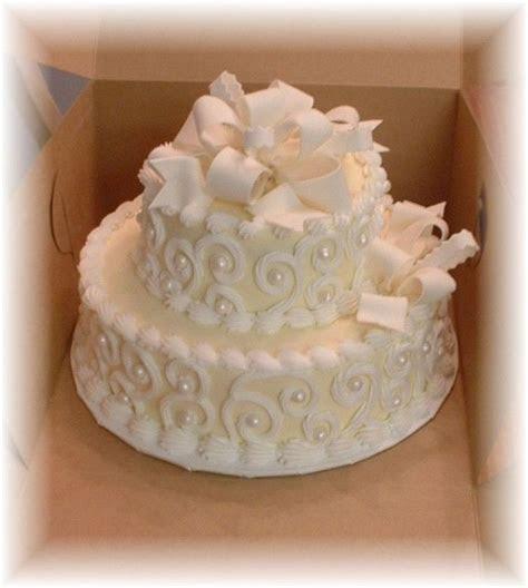 Best 25  Anniversary cakes ideas on Pinterest