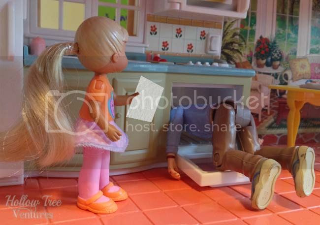 reaction to lice on As The Dollhouse Turns by Robyn Welling @RobynHTV