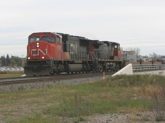 CN 5731 on train 199, Winnipeg