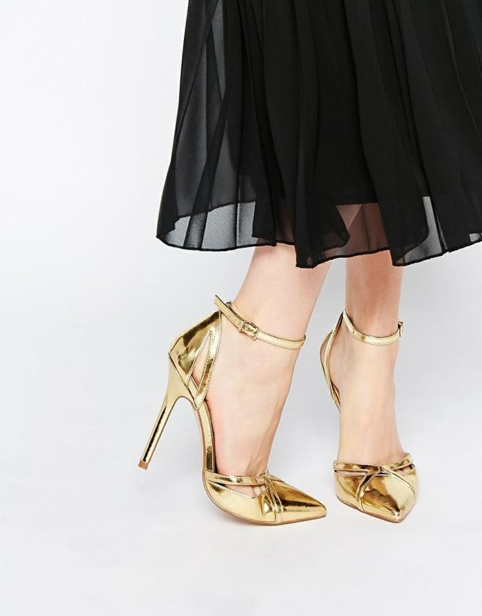 Goldene Schuhe Auf Eine Moderne Und Stylishe Art Kombinieren