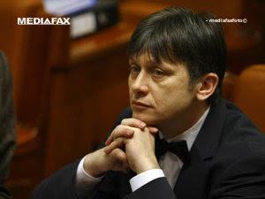 Antonescu, dispus să candideze pentru şefia PNL şi la prezidenţiale (Imagine: Mediafax Foto)