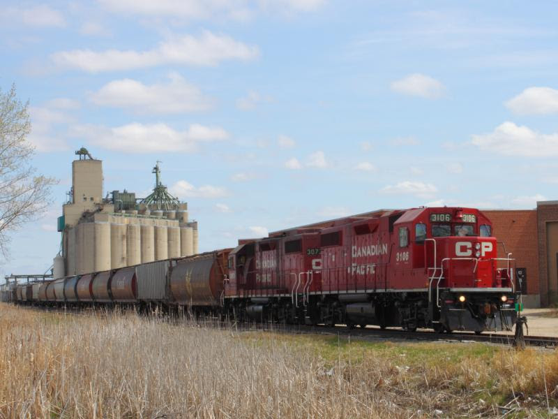 CP 3106 at a grain elevator in Winnipeg
