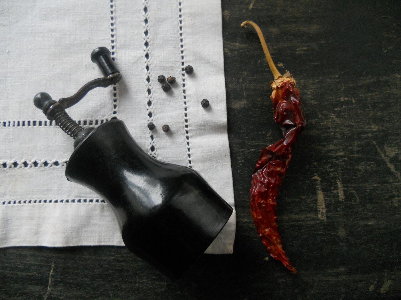 Soviet Vintage pepper mill Farmhouse kitchen decor Black Pepper grinder 1960s - TasteVintage