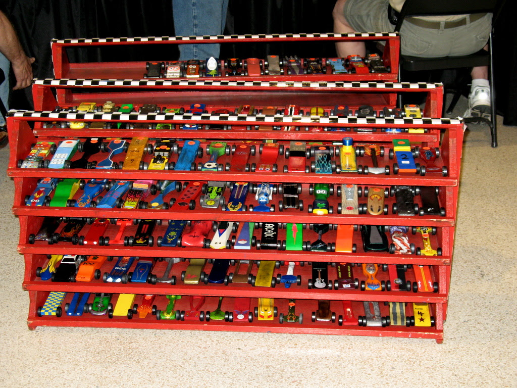 2008 minnesota state pinewood derby race with lots of car ideas