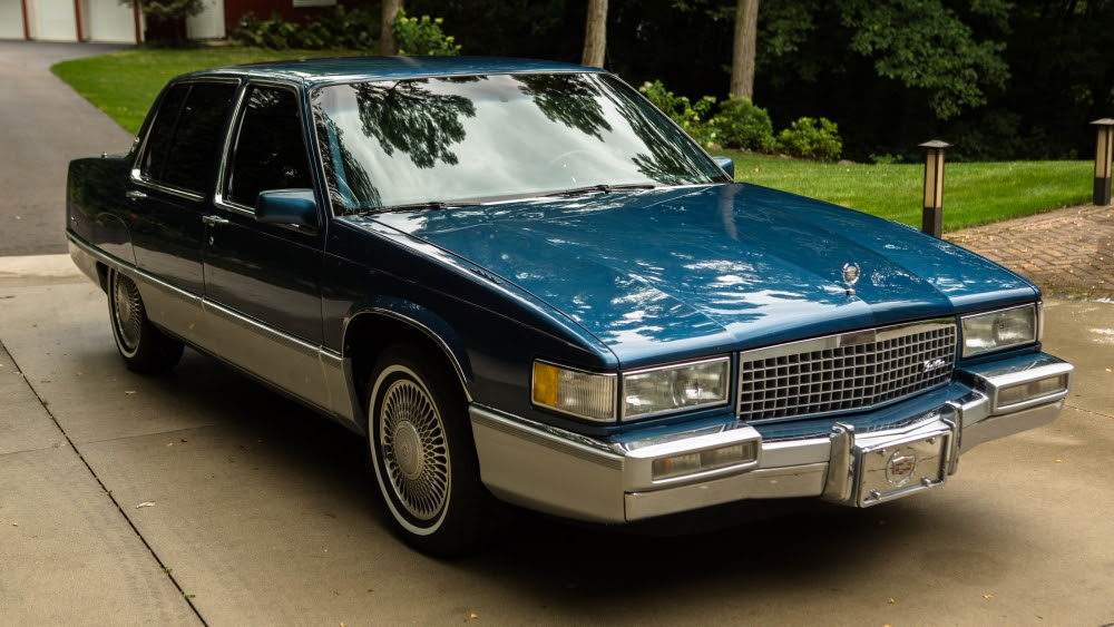 1990 Cadillac Fleetwood sedan