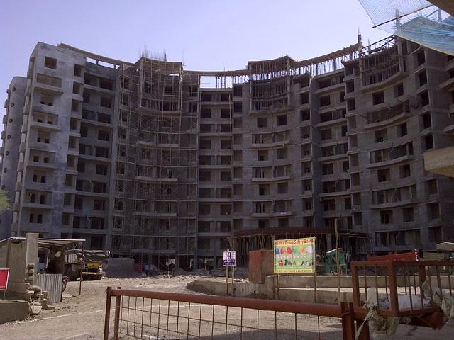 Dreams Nandini - Visit Dreams Avani, 1 BHK & 2 BHK Flats on Shewalewadi Road, near Manjri Stud Farm, off Pune Solapur Highway, at Manjri Budruk Pune, 412 307