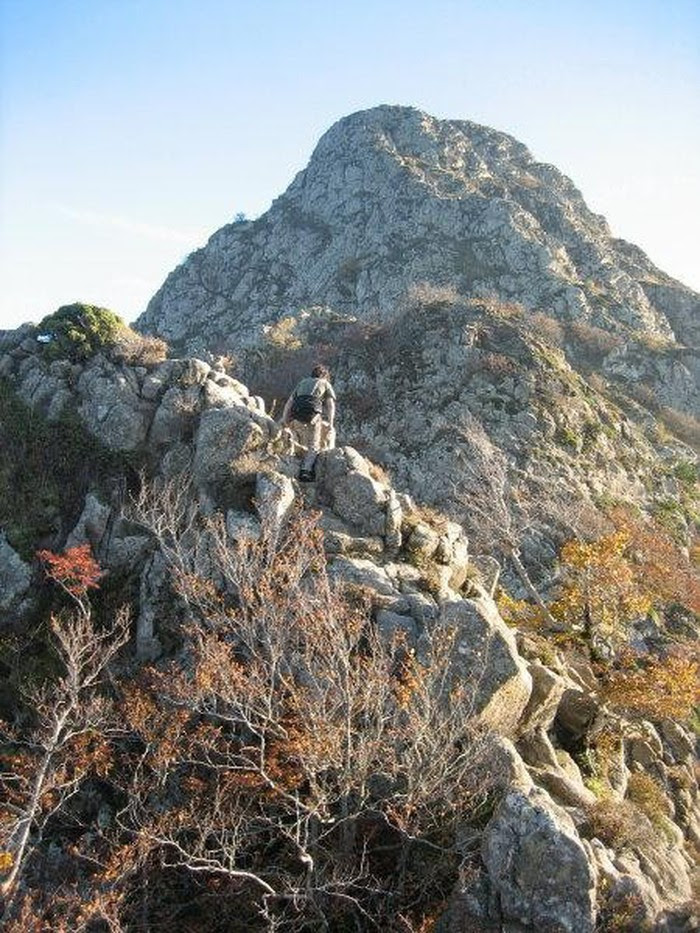 Foto de  AGUDES. Grimpada per la cresta dels Castellets