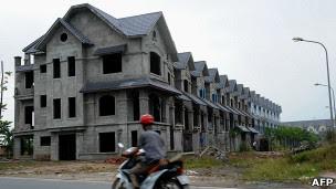 Nhà bỏ không ở Hà Nội