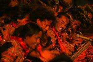 Para Penari Saman http://fokusaceh.blogspot.com/2012/11/tari-saman-pukau-penonton-di-abu-dhabi.html