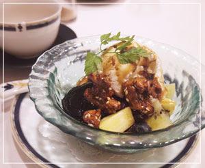 最後には、季節のメニューの中華風あんみつを。好きな味の組み合わせ。