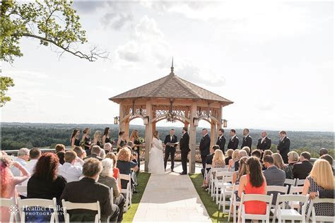 Sarah and Dan's wedding at The Starting Gate, GreatHorse