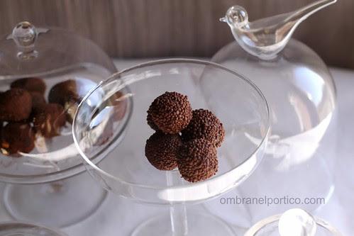 Tartufi al cioccolato fondente e perline